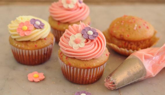 ¿Cómo hacer cupcake de flores?