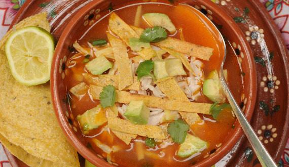 ¿Cómo hacer sopa de tortilla?