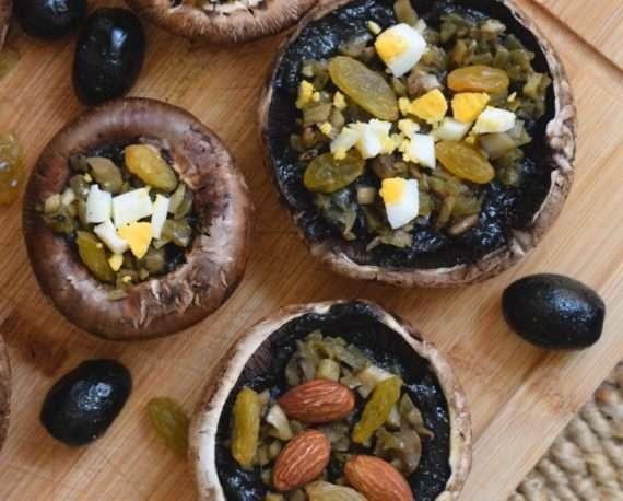 Champiñones portobello rellenos y vegetarianos